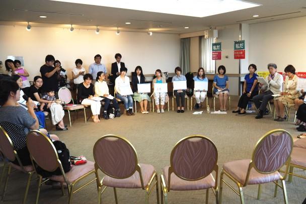 参加者からは実体験に基づき保育の課題が語られた