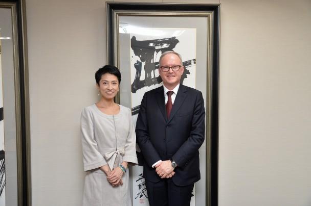 スティーブン・ペイトン駐日ニュージーランド大使と蓮舫代表