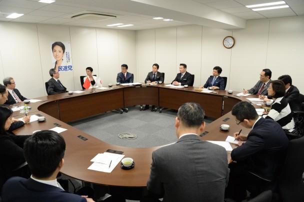 武大偉・中国外交部朝鮮半島事務特別代表との会談の様子