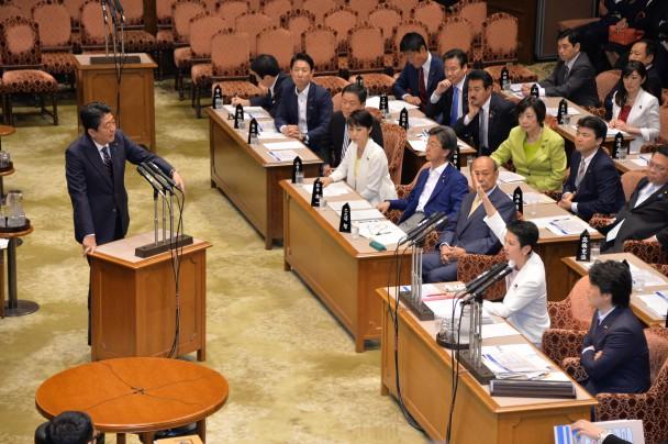 安倍総理に誠実な答弁を求める蓮舫代表